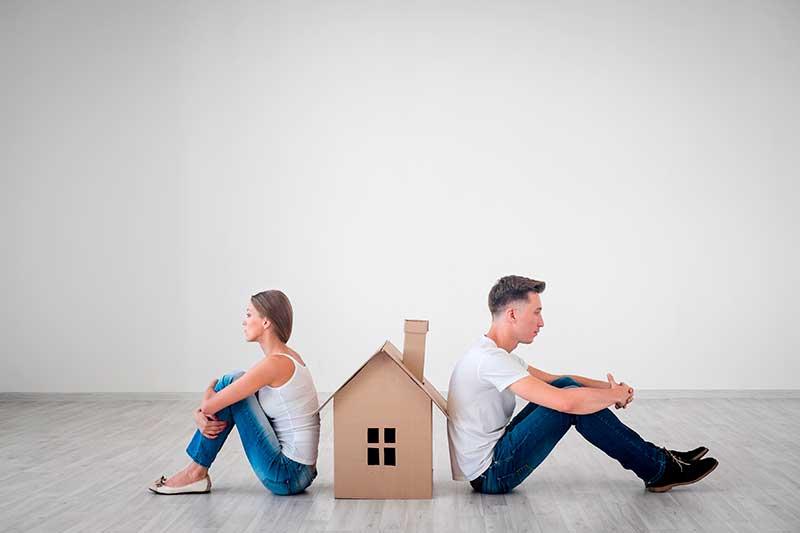 ¿QUE  HACER  TRAS   EL  DIVORCIO,  CUANDO  LA  VIVIENDA  ES   DE  LOS   PADRES  DE  UNO  DE  LOS  CONYUGES?