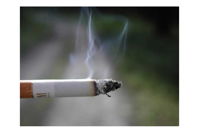 ¿Esta  justificada  la  retirada  de  la  custodia  compartida  a  un  padre  por  tabaquismo?