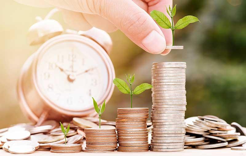 El dinero heredado por un cónyuge se considera privativo o ganancial