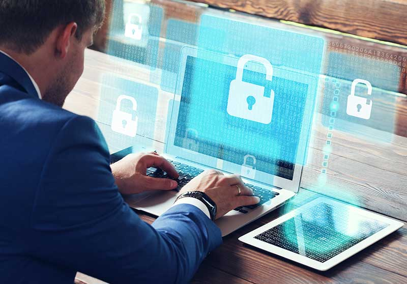 Vulneración del derecho a la intimidad por publicación de sentencia en redes sociales