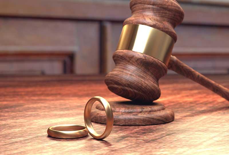 ¿Quién debe pagar los gastos de comunidad y tasa de basura de la vivienda tras el divorcio?